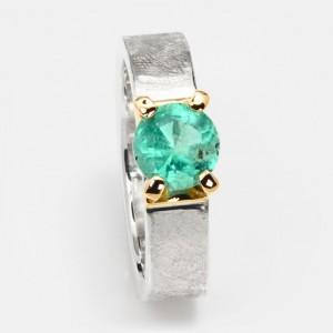 Smaragd Ring Klare Eleganz 7mm